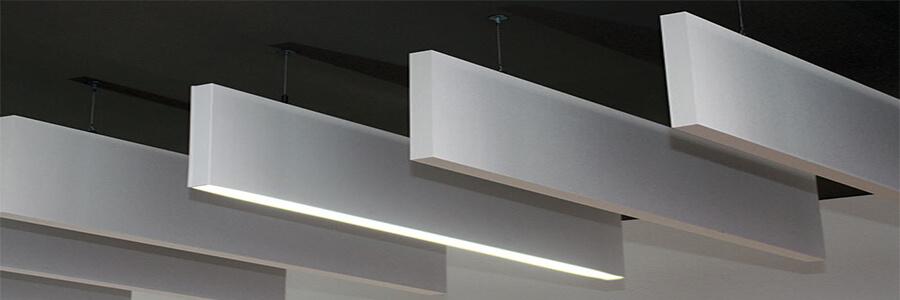 Akustik baffle tavan panelleri ses yalıtımı sağlamakla beraber ortama şık görünüm sağlayan akustik düzenleme panelleridir. Ortamdaki yankılanma, eko, ses karmaşasını çözmek için birebir şık ses yalıtım ürünleridir.